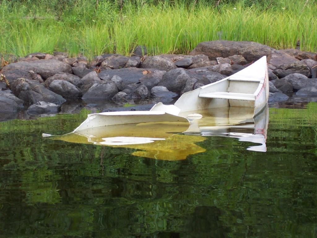 canoe-accident-1505202-1280x960