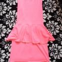 Sukienka neon z baskinką odkryte plecy